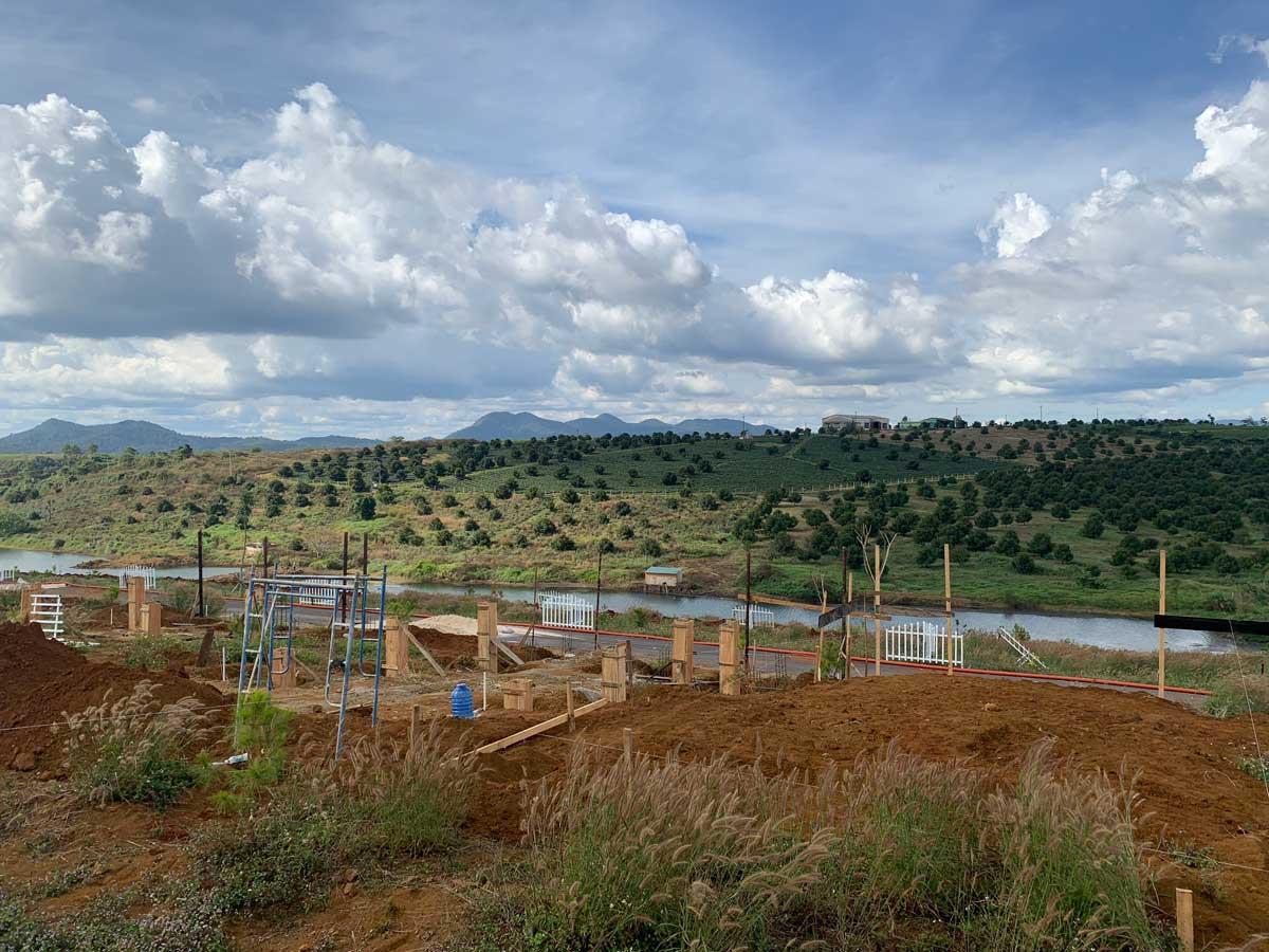 Cap nhat tien do thi cong Kingdom Ecolake Village - KINGDOM ECOLAKE VILLAGE